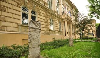 Potpisivanje peticije za očuvanje parka kod Muzeja
