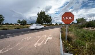 MUP: Na području Južnobačkog okruga za jedan dan 12 saobraćajki, poginula dva lica