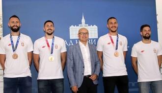 Osvajači olimpijske medalje u basketu na prijemu u Gradskoj kući