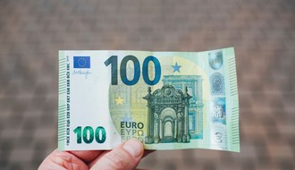 Da li postoji rok za podizanje pomoći od 100 evra sa namenskog računa?
