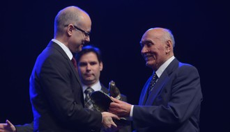 Jovi Dejanoviću svečano uručena Februarska nagrada (VIDEO)