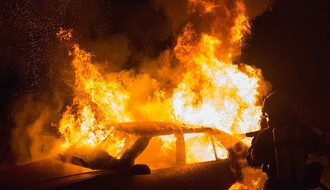 Na Bulevaru Evrope izgoreo automobil