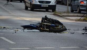 U saobraćajki na Limanu teže povređen motociklista
