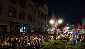 """FOTO I VIDEO: Studenti i građani """"talasaju"""" Novi Sad, govorili Nikola Sibinčić i Sergej Trifunović"""