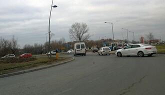 """FOTO: Žena (78) povređena u saobraćajki kod """"Lidla"""""""