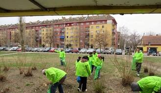 """Zelene brigade"" sakupile na Detelinari 30 džakova smeća (FOTO)"