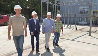 "FOTO: Gradonačelnik obišao radove u OŠ ""Ivo Lola Ribar"""
