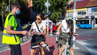 FOTO: Akcija NSBI da se novosadski biciklisti bezbedno kreću kroz grad