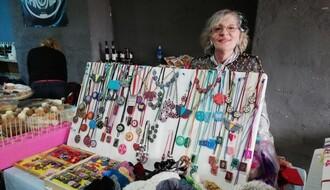 NOVOSAĐANI: Profesorka književnosti koja se u penziji posvetila umetnosti