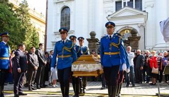 FOTO, VIDEO: General Đorđe Stratimirović posle 113 godina sahranjen u Sremskim Karlovcima