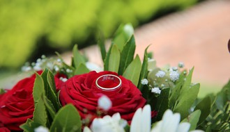 Novosađanin na neobičan način zaprosio devojku u sred centra grada