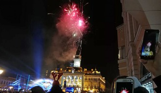FOTO i VIDEO: Novosađani na Trgu slobode dočekali 2019. godinu