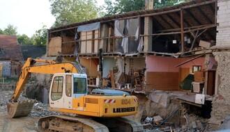 Investitor još uvek nije zatrpao rupu na gradilištu u Dositejevoj