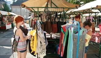 ArtEcomarket okupirao portu: U ponudi sve od kupusa do kupaćih kostima