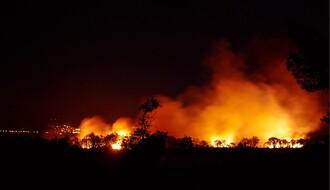 Učestali požari na Fruškoj gori, sinoć gorelo rastinje u blizini manastira Rakovac (VIDEO)