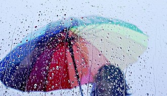 Pred nama je oblačan dan sa kišom