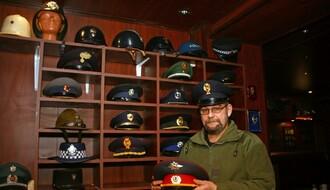 NOVOSAĐANI: Pab u kojem goste dočekuje milicioner