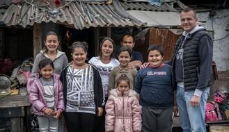 FOTO: Sedmočlanoj porodici iz Novog Sada hitno potrebna pomoć