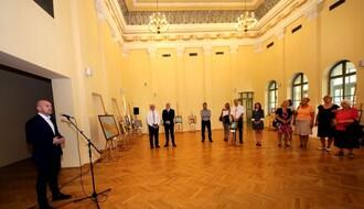Otvorena humanitarna izložba Hrvatskog kulturnog centra za pomoć Betaniji