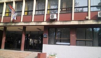 Roditelji na sudu zbog neopravdanih časova, propisane kazne do 100.000 dinara