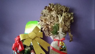 Danas je Badnji dan: Proslava Badnje večeri počinje službama bdenija i paljenjem badnjaka
