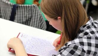 NS BLOK: Besplatni časovi srpskog i matematike za osmake