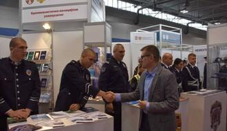 Direktor policije posetio Sajam obrazovanja u Novom Sadu (FOTO)