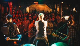 Noćni život iz ugla kafanskih pevača u Novom Sadu