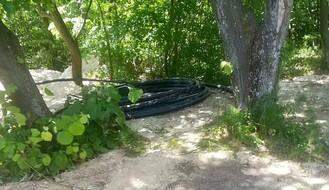 FOTO: U okolini Novog Sada otkrivena nelegalna vodovodna mreža