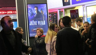 "Groznica ""Južnog vetra"": Pitali smo Novosađane šta misle o filmu i glumačkoj ekipi?!"
