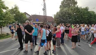 """""""PRAVDA ZA NINU"""": Održan još jedan protest u Preradovićevoj ulici"""