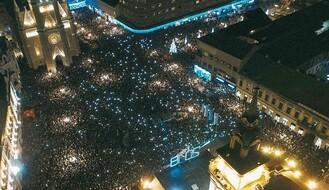 U centru grada oko 50.000 ljudi svečano dočekalo 2018. godinu (FOTO)