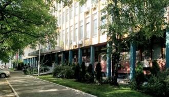 Novosadskom lekaru osumnjičenom za obljubu nad maloletnicom produžen pritvor do 5. septembra