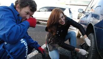 ZA SIGURAN PUT: Besplatna obuka zamene guma za Novosađanke