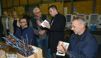 "Gradonačelnik i ministar za rad posetili ""DES"" (FOTO)"