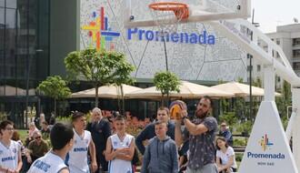 FOTO: Najbolji basketaši sveta igrali sa najmlađim Novosađanima