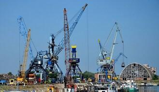 Oko 7.000 tona cevi za gasovod stiglo u Luku Novi Sad