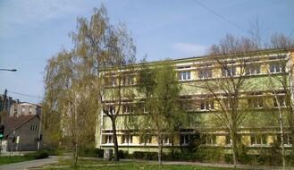Ministarstvo preporučilo da i škole od ponedeljka nastave s radom