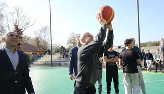 """Renovirani košarkaši tereni na """"Eđšegu"""""""