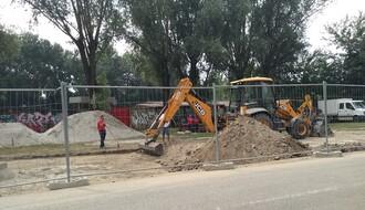 FOTO: Gradi se novi parking na Bulevaru despota Stefana, kod stadiona FK Kabel