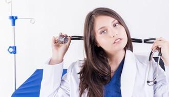 EGZODUS: Skoro 2.000 zdravstvenih radnika godišnje ode iz zemlje