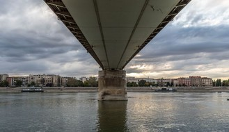 HITNA POMOĆ: Spasena devojka koja je skočila s Varadinskog mosta