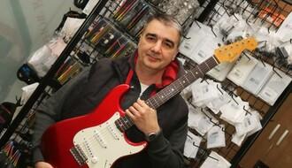 Srđan Janković, majstor za gitare: Svi idu za brzom lovom, a sve je manje muzičkog stvaralaštva (FOTO)