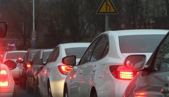 Gužve na graničnim prelazima i usporena vožnja zbog radova