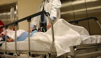 HITNA POMOĆ: Osmoro povređeno u udesima u Novom Sadu i okolini