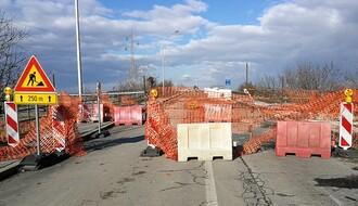 FOTO: Treći put pomeren rok za završetak radova na Sentandrejskom mostu