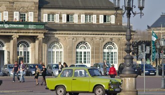 Pojedine nemačke pokrajine ublažile mere, otvorene prve prodavnice i tržni centri