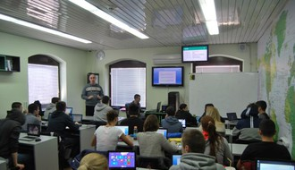 E-GIMNAZIJA: Srednja škola koja nema slobodnih mesta