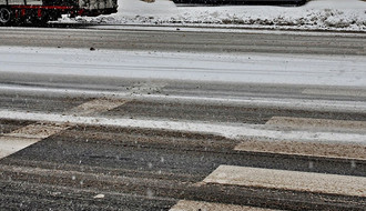 Vozačima se savetuje oprezna vožnja zbog poledice