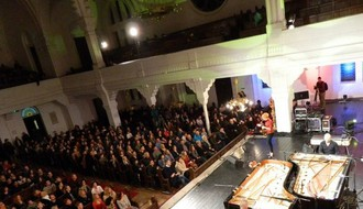 Vatreni klavirski obračun zagrejao hladnu Sinagogu